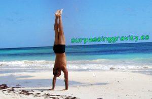 10 Razones para Practicar el Pino o Handstand